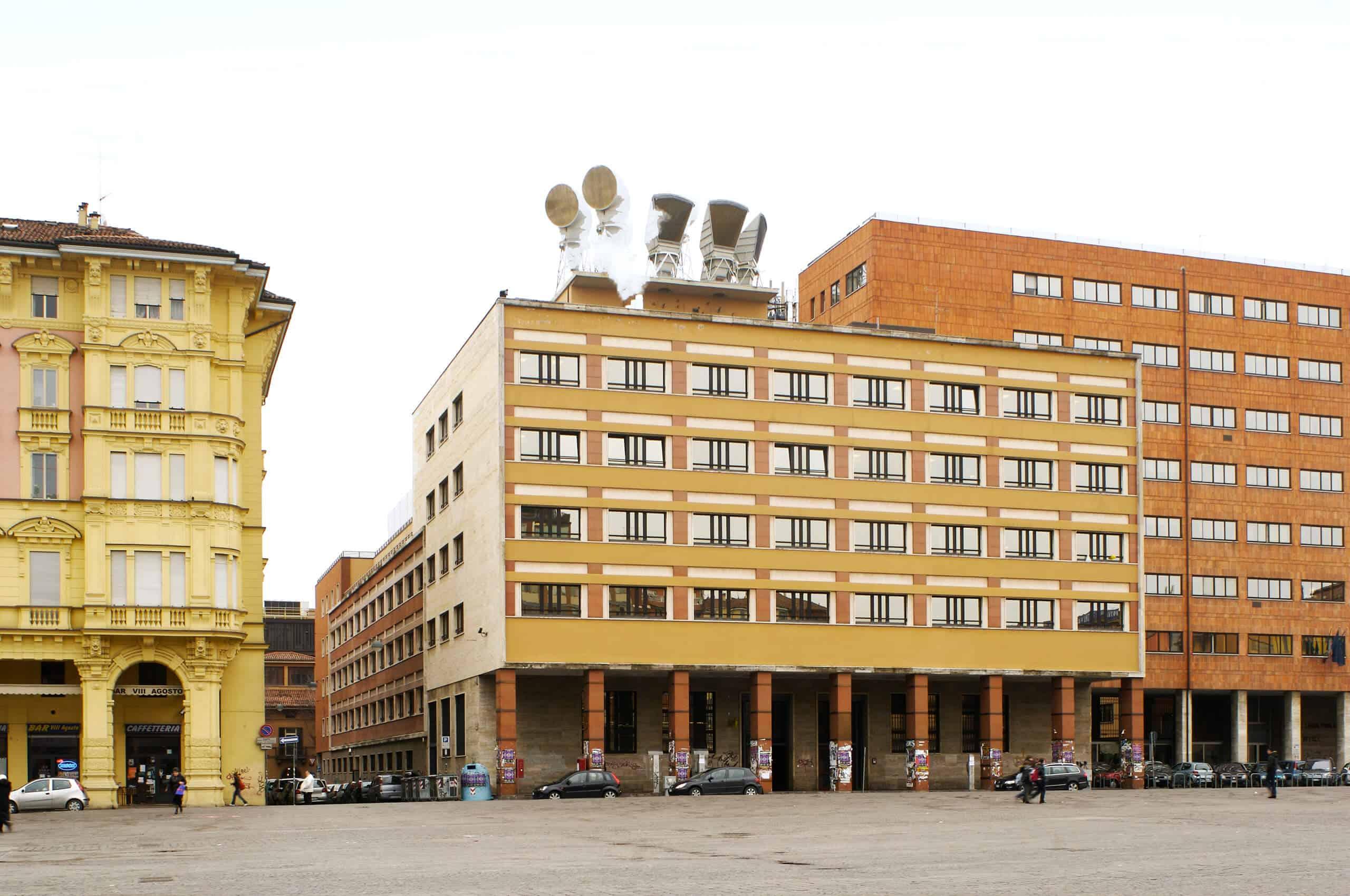 Central Sicaf - Bologna, Piazza VIII Agosto