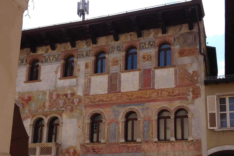 Central Sicaf - Trento, Via Belenzani